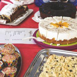 Viele leckere Kuchen und Torten erwarteten die Gäste.
