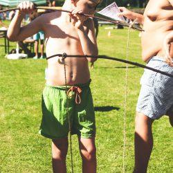 Entenangeln war eine der Aufgaben für die kleinen Piraten
